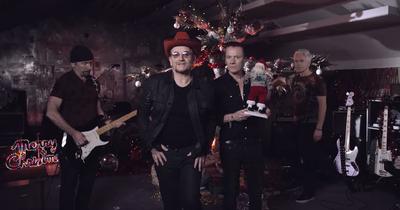 U2 привітали зі святами і анонсували новий альбом