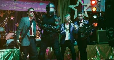 Muse випустили відео Pressure