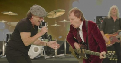 AC/DC замкнулися у студії і