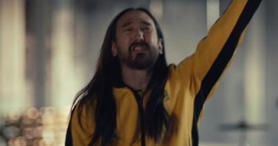Blink-182 видали відео з Стівом Аокі