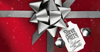 Стів Перрі випустив різдвяний кавер