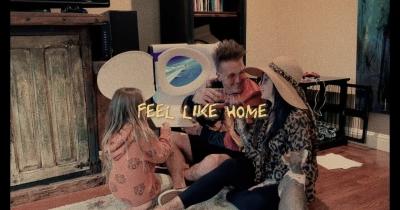 Веселий кліп від Papa Roach