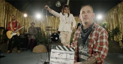 Корі Тейлор зібрав зірок у новому відео