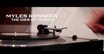 Слухайте нову сольну пісню Майлза Кеннеді