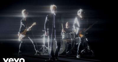 Дивіться нове відео The Offspring