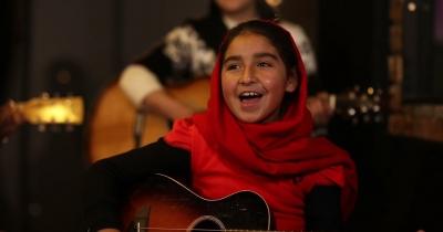 Семмі Хагар і Чед Крюгер заспівали разом з афганськими дівчатами